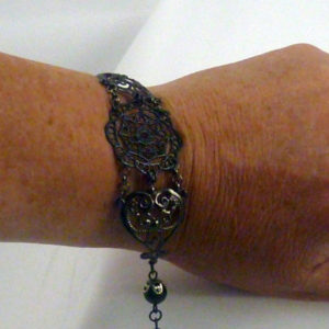 Black pearl lacy Victorian filigree steampunk bracelet- BR 007_04