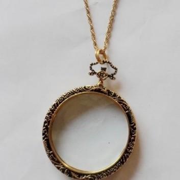 Monocle Necklace - Gold Tone