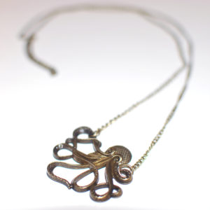 octopus-necklace-antique-bronze-side